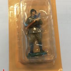 Figurina Armata Rosie - Artilerist in uniforma de vara 1941 - plumb