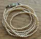 Colier perle mici de sticla anii ' 50