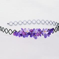 Cordeluță împletită cu flori de liliac