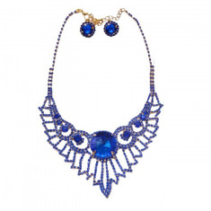 Set modern de bijuteri ,colier si cercei de culoare albastru