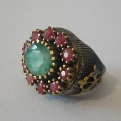 Inel argint vintage cu aur 9CT si radacini de rubine si un smarald -7046