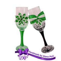 Pahare nunta miri si nasi Handmade by Diana Puiu PNFJ 2 verde-negru