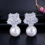 Cercei Snow Flower cu perle si zirconii