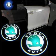 Proiectoare in portiera cu Logo Skoda Octavia 2 Facelift