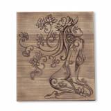 "Tablou lemn natural ""Fata Cu Parul Din Flori"""
