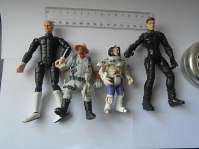 bnk jc - Lot 4 figurine neidentificate foto
