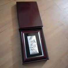 Icoana metalica argintata, provenienta Italia cu dimensiunea ramei 20x14 cm.