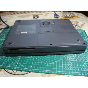 Laptop vintage Fujitsu Liteline 5033 amd k6 3d -display spart