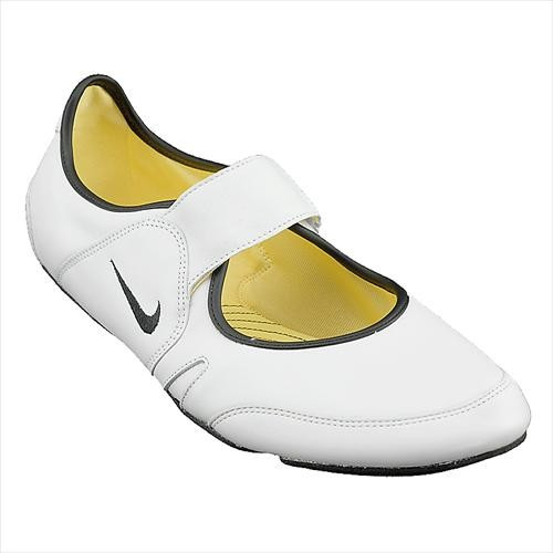 Adidasi Femei Nike Wmns Sunyassi 318050101