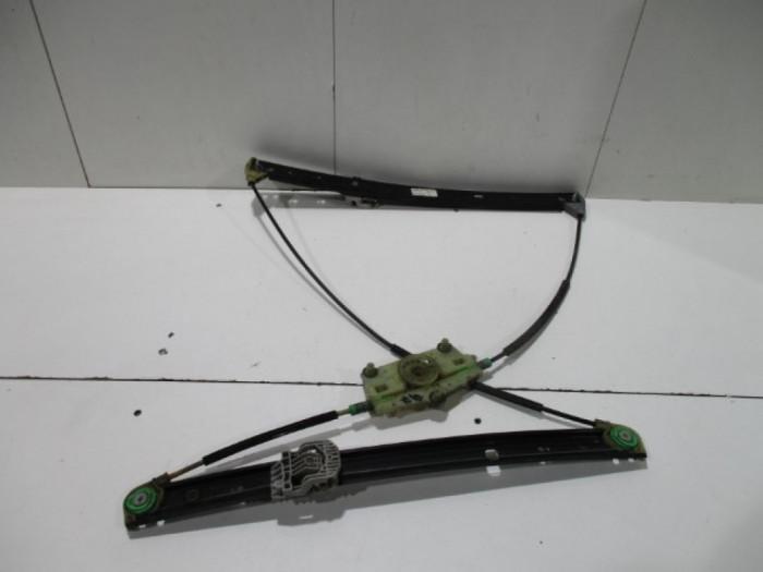 Macara electrica stanga fata Audi Q7 An 2007-2014 cod 4L0837461