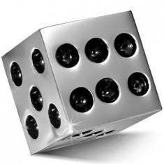 Pandantiv din oțel inoxidabil - zar strălucitor de culoare argintie, puncte negre