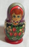Matrioska jucarie veche artizanat papusa SUPERBA pictata manual desen Căpșuni