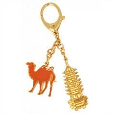 Amuleta cu Pagoda cu 7 nivele si camila