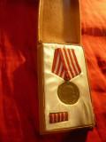 Medalia Eliberarea de sub Jugul Fascist RPR , cutie originala si bareta