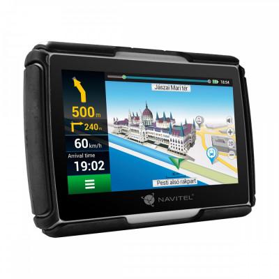 """Sistem de navigatie GPS Navitel G550 Moto, ecran 4.3"""" cu GPS, IP-67 si supot pentru casti BT A2DP, actualizare lifetime pentru harti, suport de fi foto"""