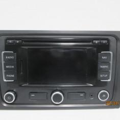 Radio CD cu navigatie Vw Golf 6 / Vw Passat B6 / Passat CC an 2006-2012 cod 3C0035270