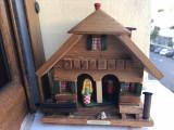 Barometru vechi austriac, din lemn,casuta cu baiat si fata