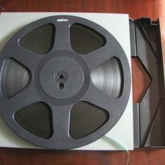 REVOX- rola plastic 26,5 cm , NEAGRA, cu banda, cutie plastic Revox, excelenta