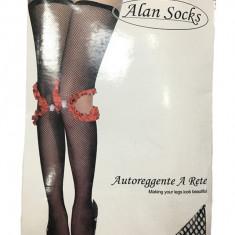 Ciorap fashion tip plasa cu model rafinat de fodre rosii aplicate