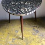 MASUTA DECO PERIOADA ANILOR '60