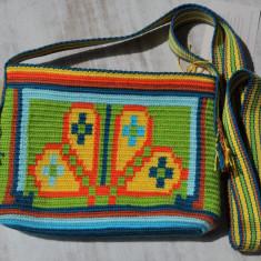 Geantă croșetată manual  ornamentată cu motivul popular din Crișana soare floare