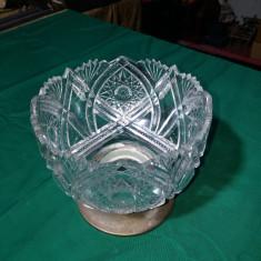 Fructiera veche de cristal cu picior de alpaca argintata