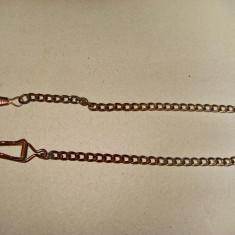 B113-Lant ceas buzunar barbat vechi metal bronzuit. Lungime 33 cm.