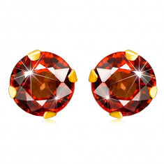 Cercei din aur galben 375 - zirconiu rotund într-o nuanță de culoare roșie