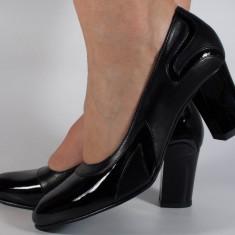 Pantofi eleganti negri cu lac piele naturala (cod 368)