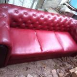 Canapea pentru 3 persoane din piele ecologica rosie, model impozant, Canapele fixe