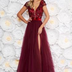 Rochie Artista visinie de ocazie in clos cu bust buretat din tul din dantela cu aplicatii florale cu efect 3d