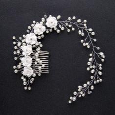 Tiara floricele,perle si pieptan lungime 40 cm,