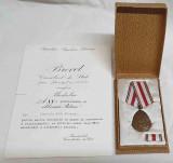 Epoca de Aur - SUPERB Lot COMPLET Medalie - Cutie, Bareta, Brevet anul 1964