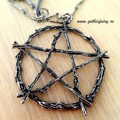 Colier gotic Pentagramă din crengi