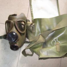 masca de gaze veche are rugina pe ea necesita curatare fara cartus