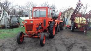 Tractor  Universal 650