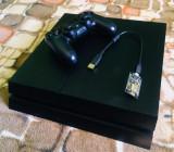 Playstation 4 Modat cu Modchip, HDD 1TB, impecabil cu 30 de jocuri!