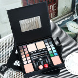 Set Cadou Max More Makeup Kit