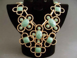 Colier bijuterie guler cu pietre verzi
