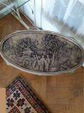Masuta pentru living ovala cu geam deasupra, paraf de creta si rasina, 65x36cm.