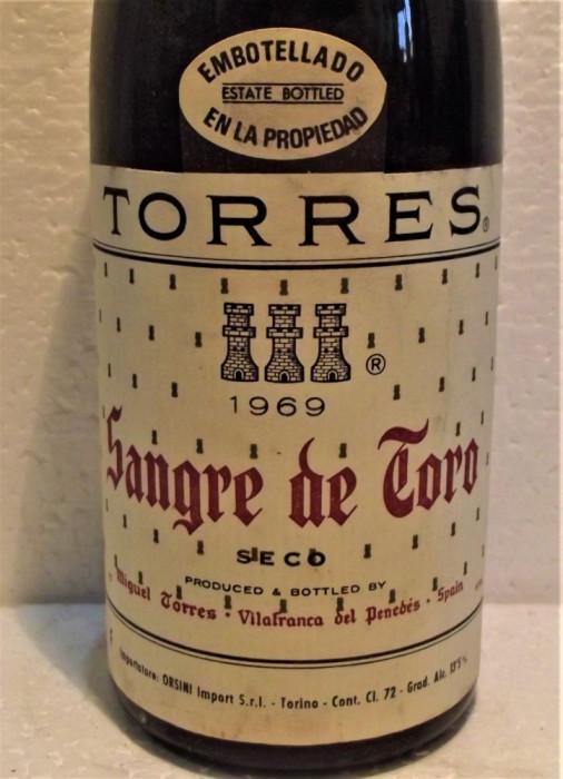 B 16- VIN TORRES, SANGRE DE TORO, SPAIN, recoltare 1969 cl 72 gr 13,5