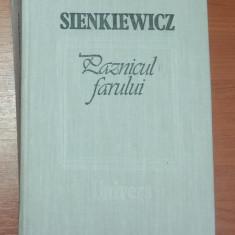 PAZNICUL FARULUI - SIENKIEWICZ