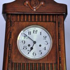 Ceas de perete cu pendula Urgos