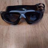 Ochelari de inot, Adidas