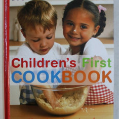 CHILDREN' S FIRST COOKBOOK by ANNABEL KARMEL , 2005