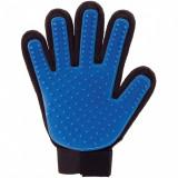Cumpara ieftin Manusa pentru periat animale True Touch, culoare albastru negru