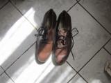 pantofi de armata maro cred ca sunt nr 42 fara defect