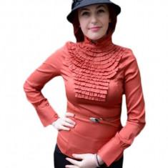 Camasa fashion, nuanta de caramiziu, cu insertii cu aspect creponat
