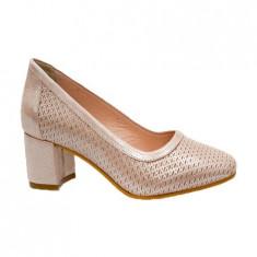 Pantof clasic cu design imprimat, toc confortabil, nuanta de pudra