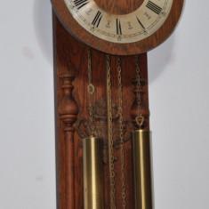 Ceas de perete cu pendula si 2 greutati